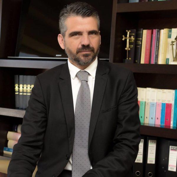 Νίκος Κοτζαμπασάκης